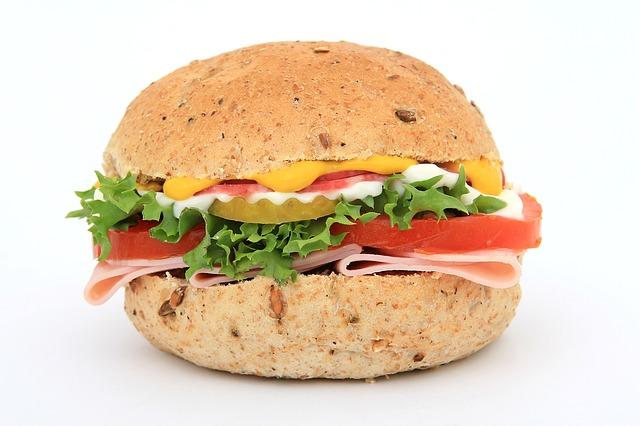celozrnný burger